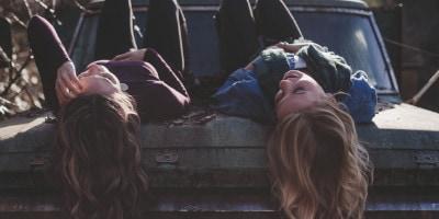 21 tipů na dárek pro nejlepší kamarádku