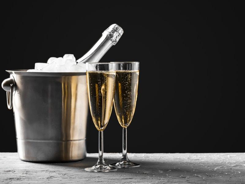 Degustace šampaňského (nejen) pro zamilované