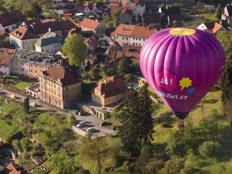 Dárky k výročí svatby pro rodiče - let balónem