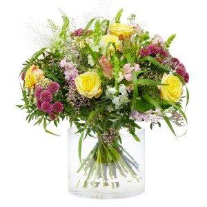 obrovská krásná kytice letních květin k promoci