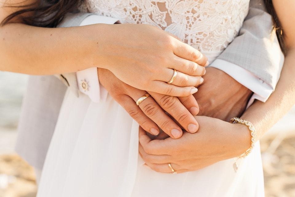 Snubní prsteny - kde nosit rady