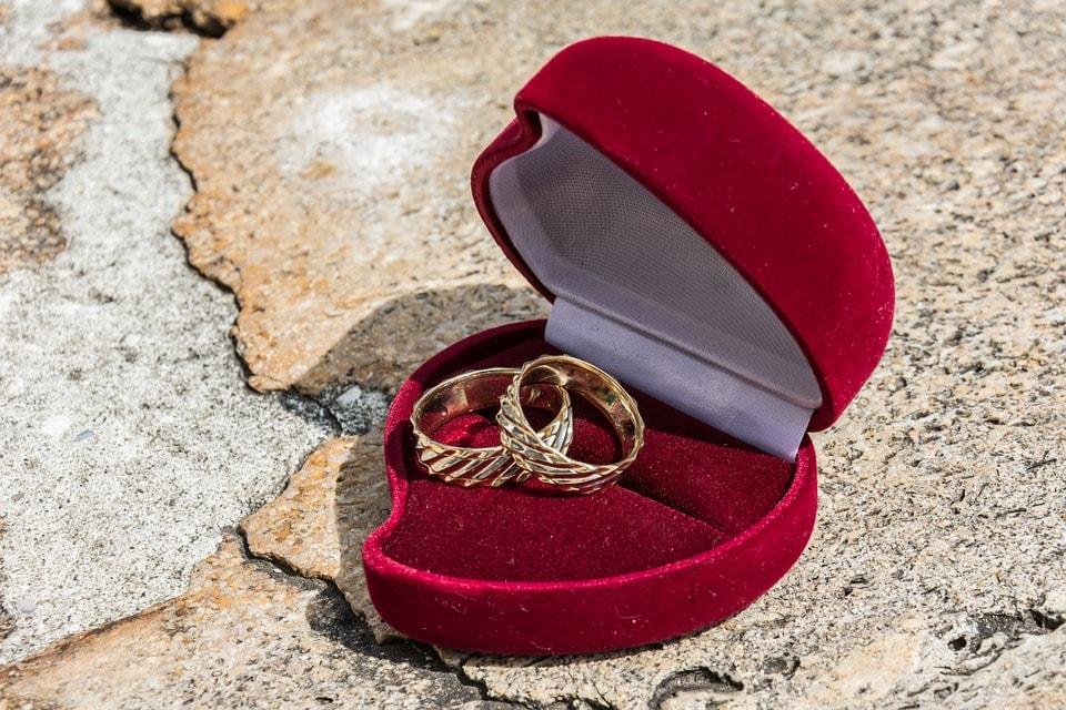 Kde koupit snubní prsteny