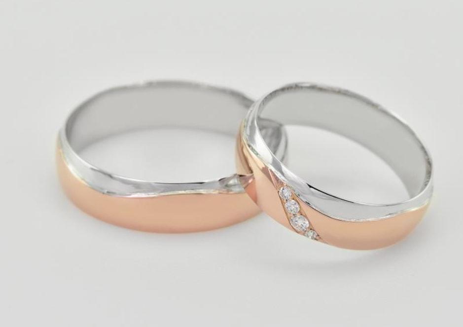 Snubní prstýnky z růžového zlata - kombinace materiálů