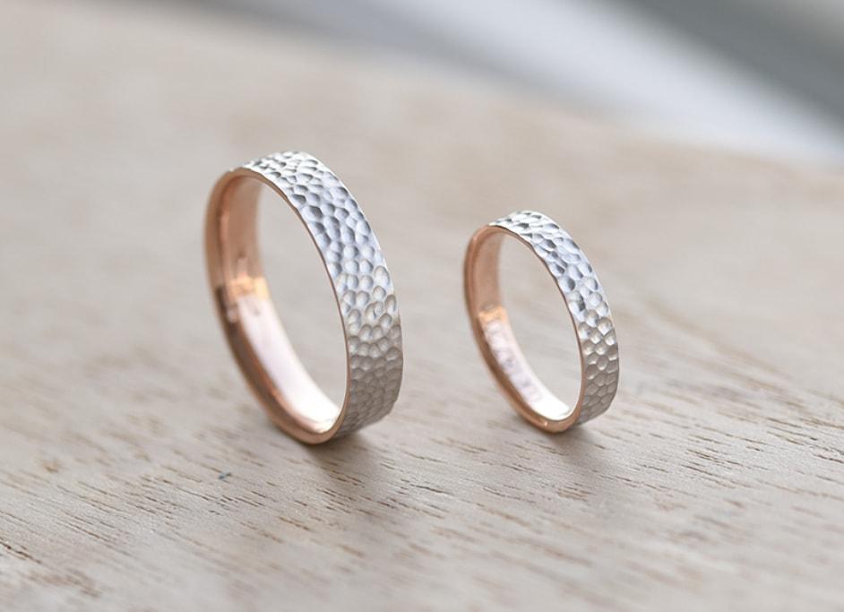 Tepané snubní prsteny - co frčí